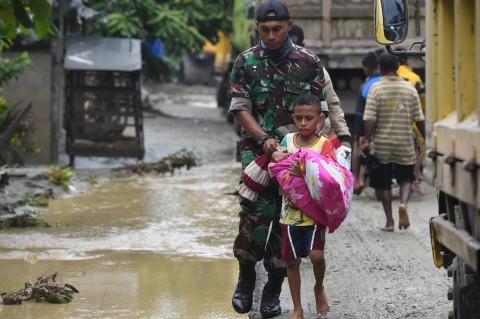 Pengungsi Banjir Sentani Trauma