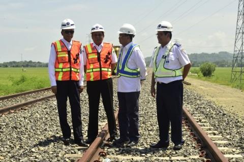 104 KM Jalur Kereta Sulsel Rampung 2020