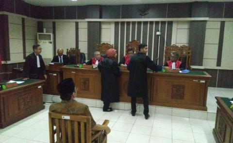 Taufik Terima Suap Bupati Kebumen di Hotel Semarang
