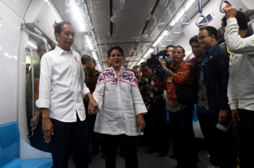 Presiden Janji Perbaiki Kekurangan MRT