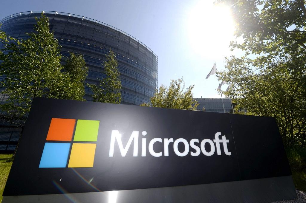MIcrosoft hentikan dukungan untuk Windows 7 tahun depan. (Photo by Vesa Moilanen Lehtikuva / AFP Finland / OUT)