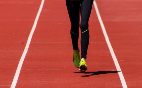 Lari atau Angkat Beban, Mana yang Lebih Baik?