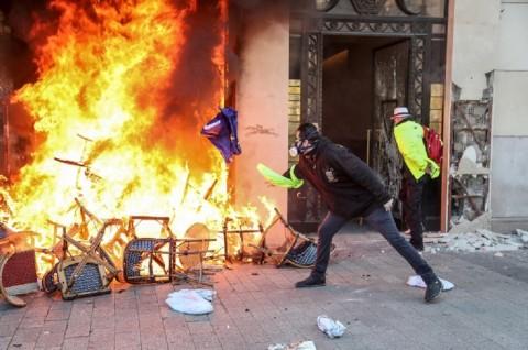 Cegah Kekerasan Rompi Kuning, Prancis Kerahkan Militer