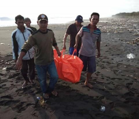 Dua Wisatawan Tewas Terseret Ombak Pantai Congot
