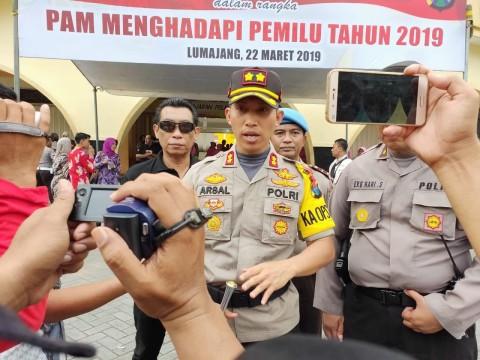 TNI dan Polri Gelar Simulasi Pengamanan Kampanye di Lumajang