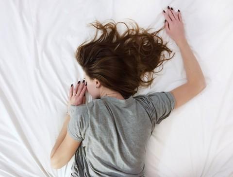Posisi Tidur Memengaruhi Kebersihan Wajah
