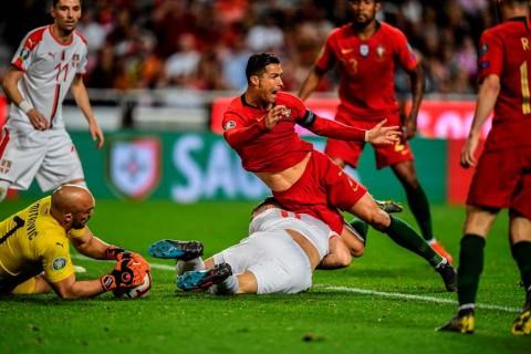 Ronaldo Cedera, Portugal Berbagi Poin dengan Serbia