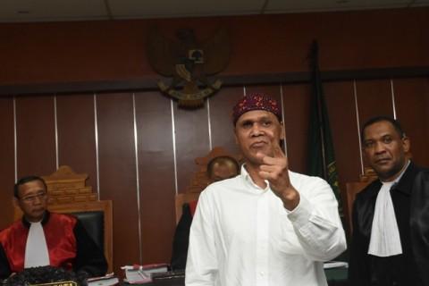 Hercules 'Ngamuk' di Pengadilan Jakarta Barat
