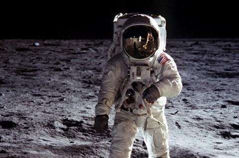 NASA Targetkan Kirim Astronot ke Bulan dalam 5 Tahun