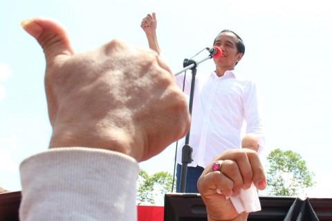 Jokowi Sapa Nelayan di Manggar Balikpapan