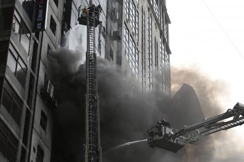 Kebakaran Gedung Bertingkat di Bangladesh Tewaskan 19 Orang