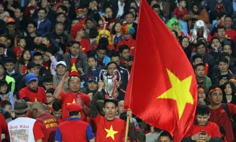 Vietnam Juara, Botol Bir Hampir Melayang