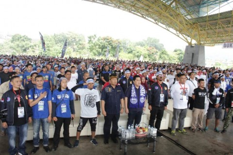 Bobotoh Ngahiji: Bandung Satu Tekad, Dukung Jokowi Habisi Mafia Bola