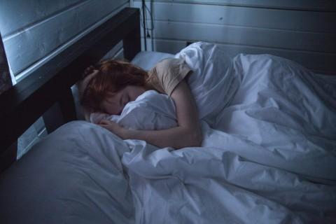 Sering Lembur, Mengganti Pola Tidur saat Akhir Pekan bukan Solusi