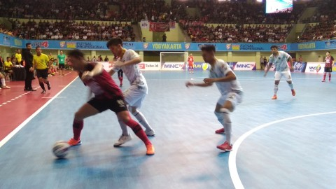 Laga Final Liga Futsal Dicederai dengan Ulah Suporter