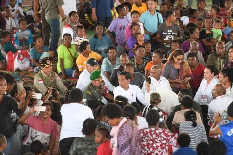 Jokowi Sambangi Korban Banjir Bandang Sentani