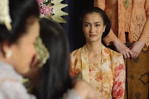Atiqah Hasiholan Berharap Film Mantan Manten Jadi Inspirasi para Milenial