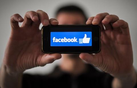Facebook Jelaskan Kenapa Konten Tertentu Muncul di Lini Masa