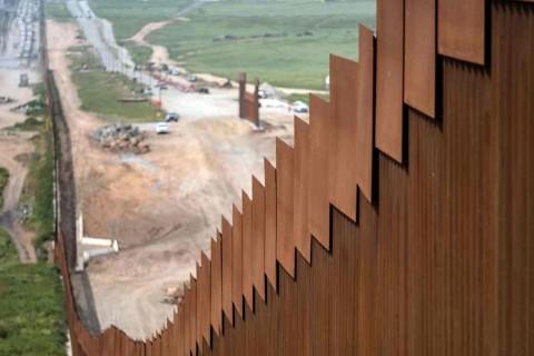 Trump: AS Siap 100 Persen Tutup Perbatasan