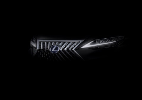 Lexus Kembangkan MPV Berbasis Toyota Alphard?