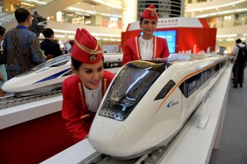 Studi Kelayakan Kereta Semi Cepat Jakarta-Surabaya Dimulai Juni 2019