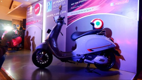 Vespa Sprint S dan Primavera S Goda Skuteris Indonesia