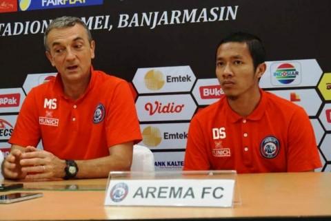 Nostalgia Warnai Laga Arema di Stadion 17 Mei Banjarmasin