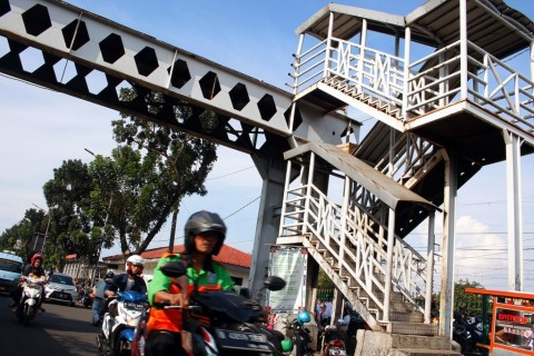 Lalin di Jalan Pasar Minggu Dialihkan