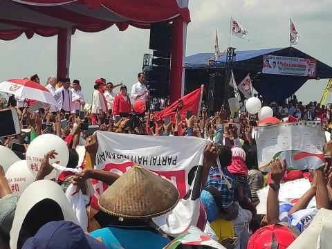 Kartu Sakti Jokowi Disambut Warga Cirebon