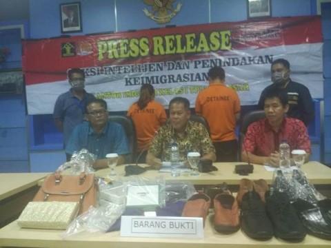 Petugas Imigrasi Makassar Tahan Dua Warga Tiongkok