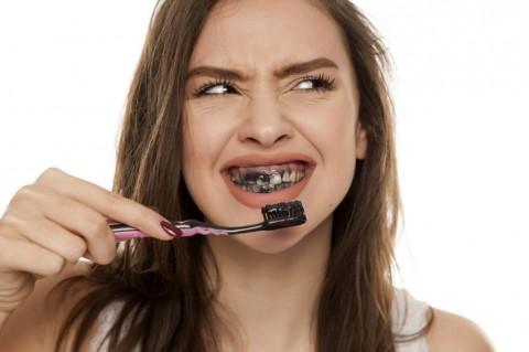 Amankah Pasta Gigi yang Mengandung Arang Aktif?
