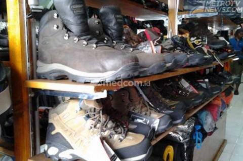 Sepatu Outdoor, Solusi Murah untuk <i>Riding</i> Harian