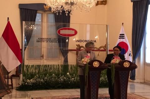 FM Retno Welcomes South Korean Counterpart in Jakarta