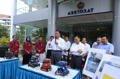 UMM Janjikan Pemenang Kontes Robot Bebas Skripsi