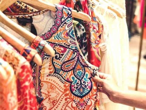 Cara Mengecilkan 4 Jenis Bahan Pakaian