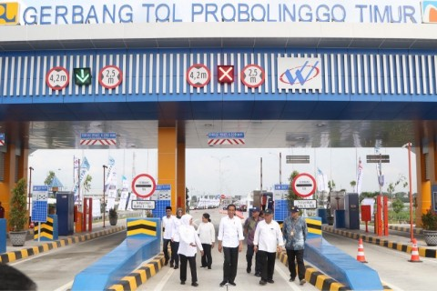 Jokowi Inaugurates Pasuruan-Probolinggo Toll Road in East Java