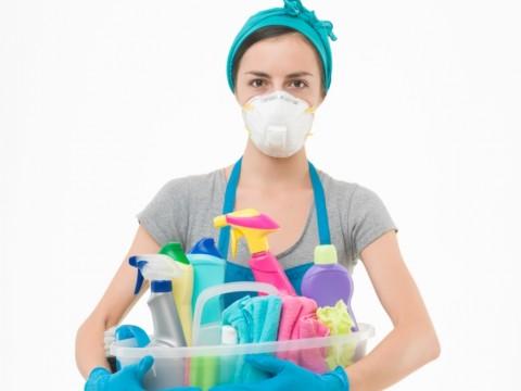 Waspadai Penggunaan Bahan Kimia saat Membersihkan Rumah