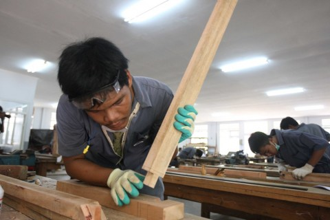 Industri Tak Lagi Rekrut Lulusan SMP di 2025