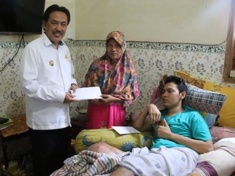 Pemkab Sidoarjo Bantu Pengobatan Bocah Pengidap Kanker Tulang