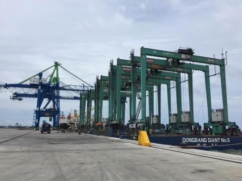 Operasi Penuh Makassar New Port Urai Antrean Kapal