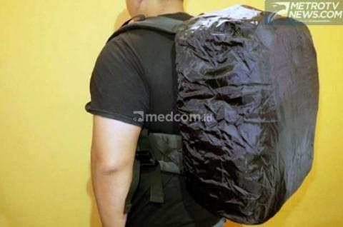 Jangan Abaikan Bag Cover, Cegah Tas Basah saat Terobos Hujan