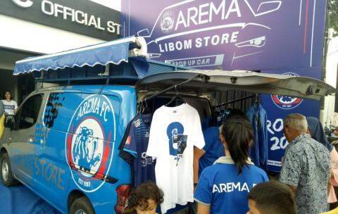 Jelang Laga Final, Merchandise Arema Laku Keras