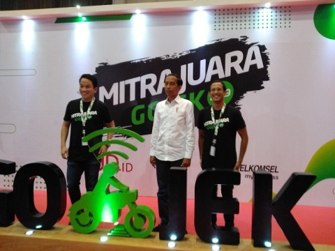 Nadiem Pamer Keunggulan GO-JEK di Depan Jokowi