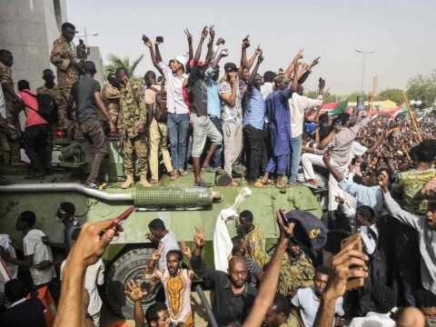 Usai Kudeta Presiden, Rakyat Sudan Ancam Serang Militer