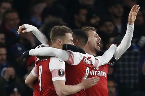 Arsenal Kalahkan Napoli 2-0