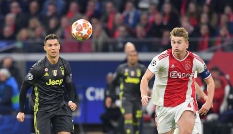 Barcelona dan Bayern Munchen Berpeluang Besar Rekrut <i>Wonderkid</i> Ajax Amsterdam