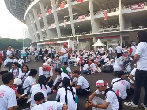 Pendukung Jokowi-Ma'ruf Mulai 'Putihkan' GBK