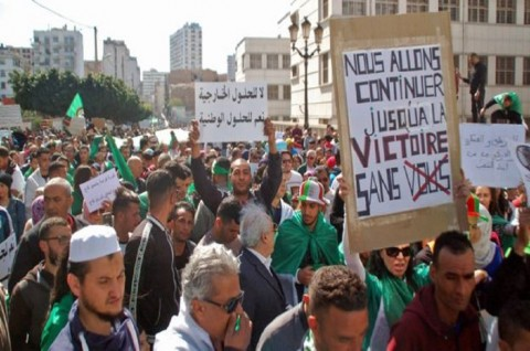 Bentrokan Berlanjut di Aljazair, Polisi Tangkap 108 Orang