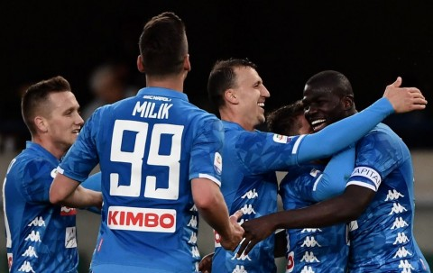 Kemenangan Napoli atas Chievo Tunda Juventus Raih Gelar