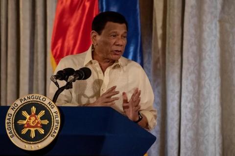 Duterte Ingatkan Tiongkok Mengenai 'Misi Bunuh Diri' di LCS